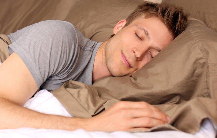 [As 3 irmãs do sono: conheça as ervas que, combinadas, fazem você relaxar e dormir]