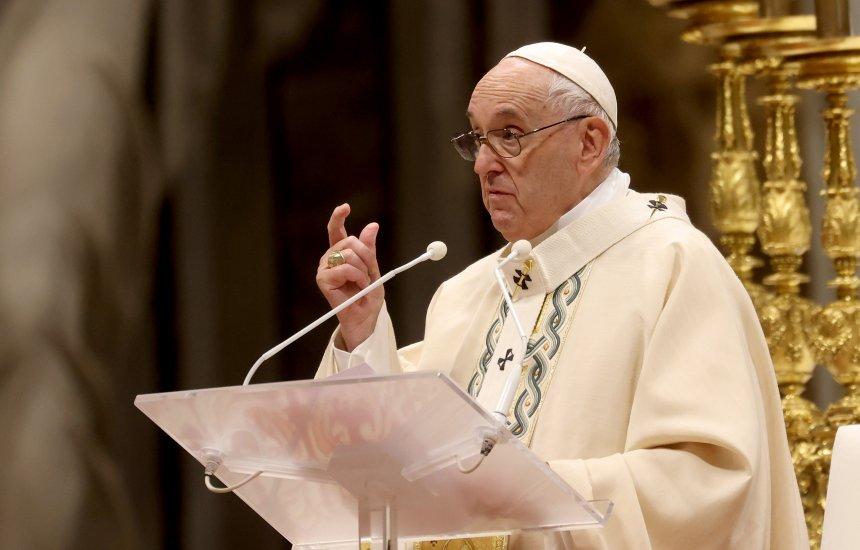 [CNBB pede punição a deputado bolsonarista que xingou Papa Francisco e bispo]